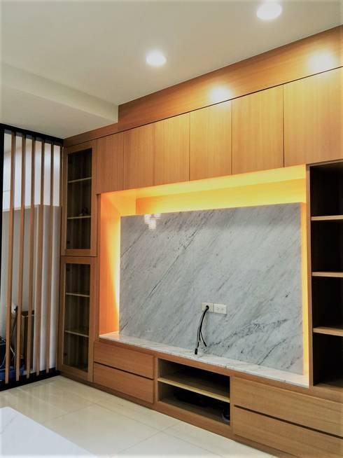 寶佳室內設計及施工:  客廳 by 寶佳室內裝修工務所