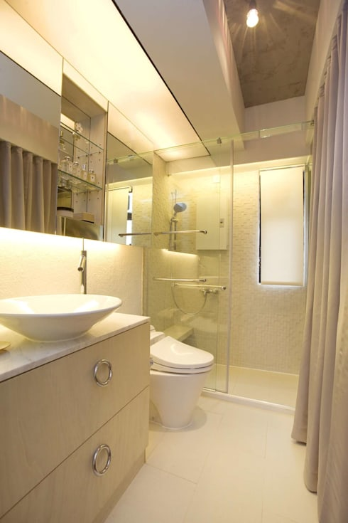 Vantage Park: modern Bathroom by Clifton Leung Design Workshop