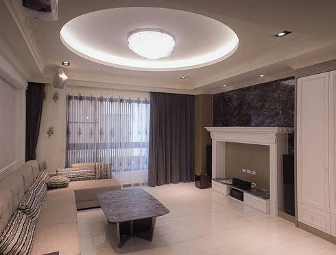 台南 賴宅/古典風格:  客廳 by 昱閣室內裝修設計