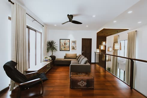 II House: tropical Living room by Living Innovations Design Unlimited, Inc.