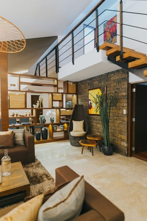 MTB House: tropical Living room by Living Innovations Design Unlimited, Inc.