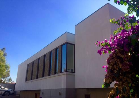 Casa Vera: Casas de estilo mediterraneo por JVA