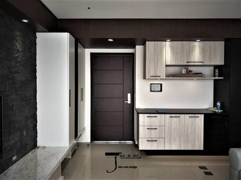 岩顏日和的58。角屋-:  客廳 by 喬克諾空間設計
