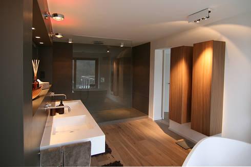 Banheiros Modernos Por Axel Fröhlich GmbH