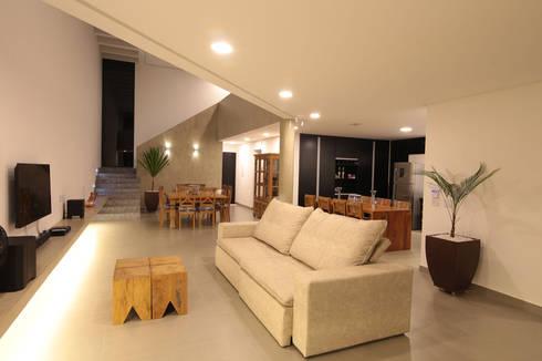 modern Living room by Mutabile