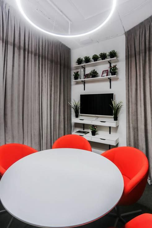 Salas multimedia de estilo  por  Евгения Млынчик