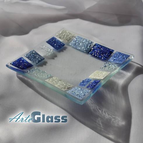 Bowl blue white 12x12 plate: modern Living room by ArteGlass