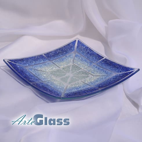 Bowl blue white 30x30 shallow: modern Living room by ArteGlass