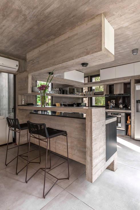 Cocinas de estilo  por Besonías Almeida arquitectos