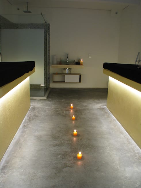 Acabanos: Spa de estilo moderno por Domicilio