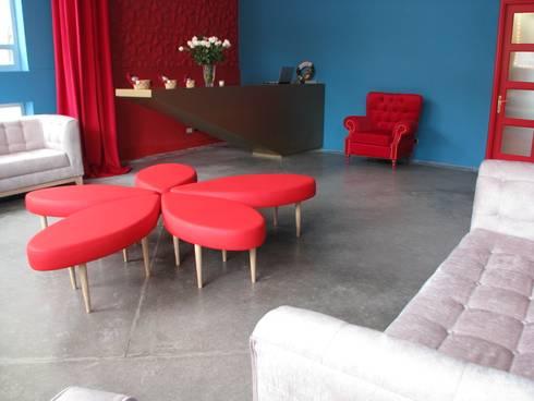 Mobiliario: Spa de estilo moderno por Domicilio