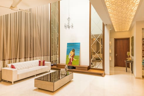 Wall paneling mirror finish: modern Media room by NVT Quality Build solution