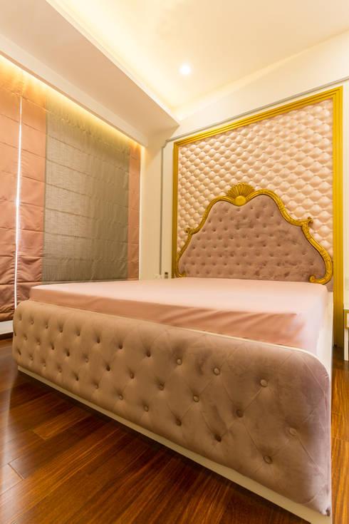 designer Bed : modern Bedroom by NVT Quality Build solution