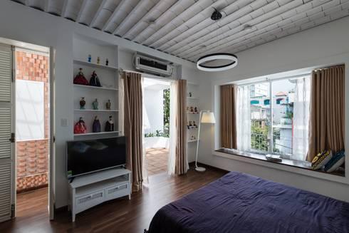 Ngắm Ngôi Nhà 1 Trệt 2 Lầu 6x8m Với Thiết Kế Mặt Tiền Đẹp, Độc Đáo:  Phòng ngủ by Công ty TNHH Xây Dựng TM – DV Song Phát
