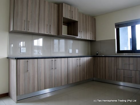 Midrand Site 2: modern Kitchen by Drake Williams Decor