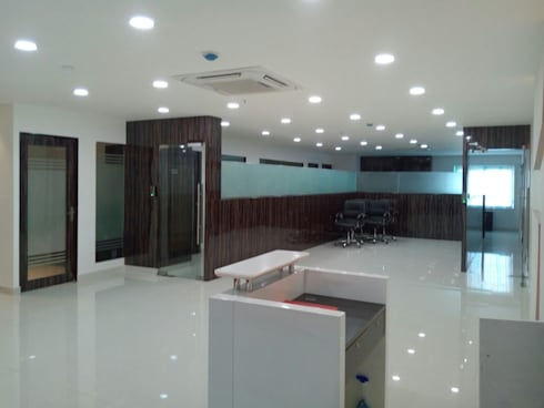 front view:  Commercial Spaces by Interior Axis India Pvt,Ltd