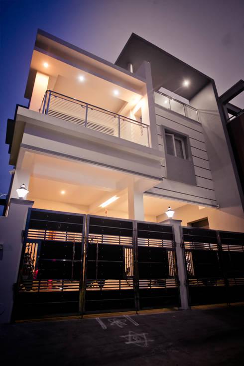 Entrance:  Villas by M/s Studio7 Architects