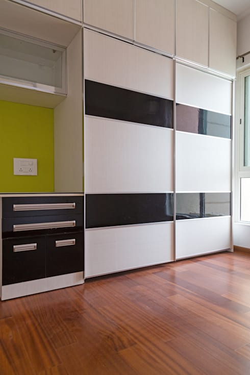 Sridhar's Residence: modern Bedroom by M/s Studio7 Architects