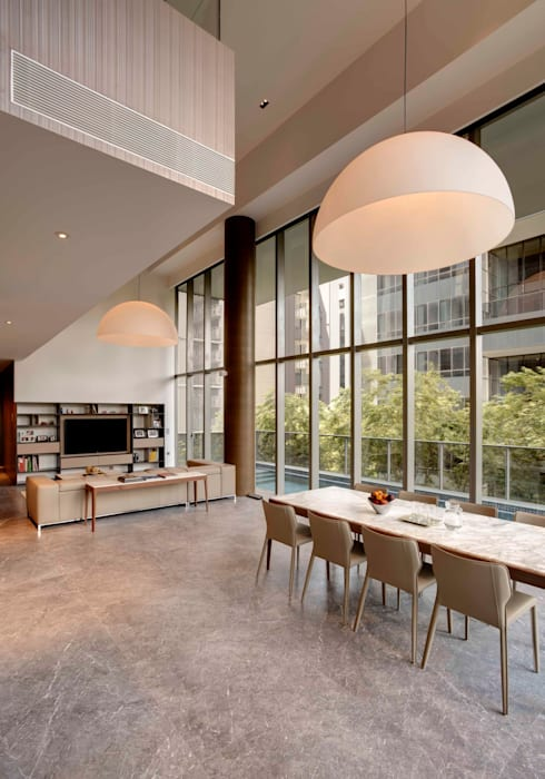 Lofty Ideals Apartment at Leedon Residence: modern Dining room by Lim Ai Tiong (LATO) Architects