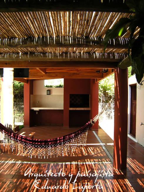 Villa California: Jardines zen de estilo  por Laporta