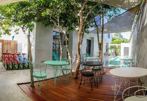 Hotel Turquesa:  de estilo  por Hipercubo Arquitectura