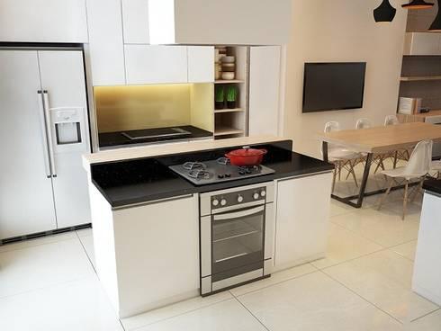 Không gian bếp của ngôi nhà 4 tầng hiện đại.:  Bếp xây sẵn by Công ty TNHH Thiết Kế Xây Dựng Song Phát