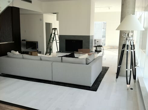 modern Living room by Shine Star Flooring