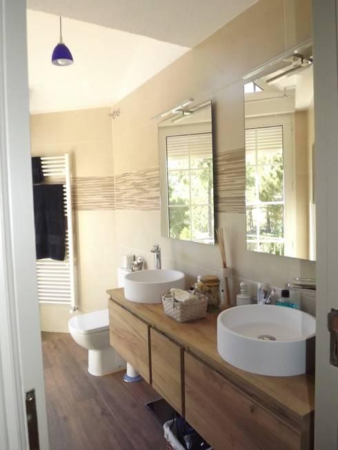 Reforma baño contemporáneo: Baños de estilo moderno de Almudena Madrid Interiorismo