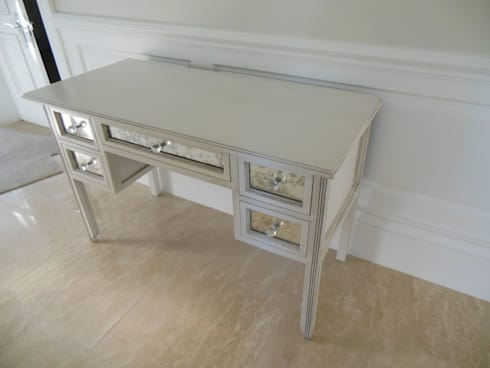 Mirrored dressing table: eclectic Bedroom by MELLOWOOD Furniture