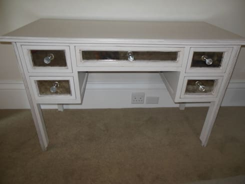Antique mirrored dressing table: eclectic Bedroom by MELLOWOOD Furniture