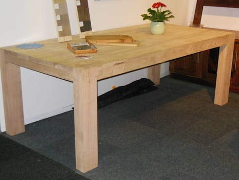 Classic Jaco Rubberwood table: classic Dining room by MELLOWOOD Furniture