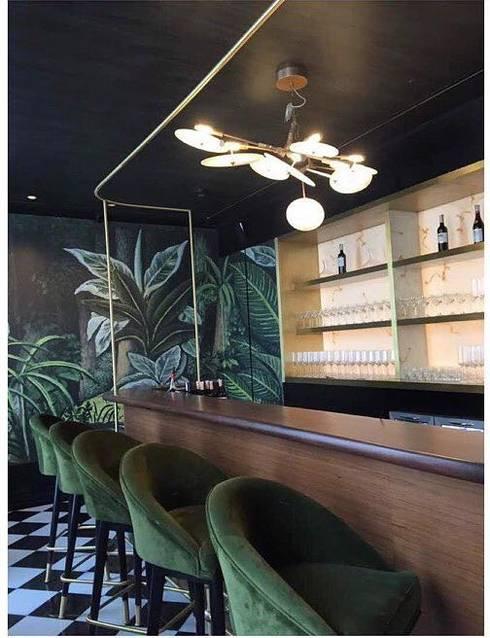 Hemant Oberoi Restaurant - Lighting:  Bars & clubs by Jainsons Emporio