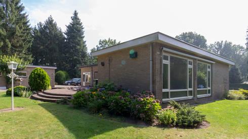 bestaand: moderne Huizen door CHORA architecten