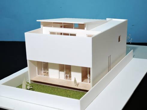 緑町の家: アトリエ24一級建築士事務所が手掛けた家です。