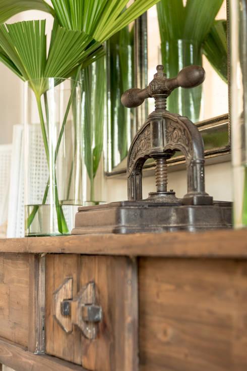 HACIENDA SANTA CRUZ DE PAPARE: Jardines de invierno de estilo colonial por Maria Teresa Espinosa