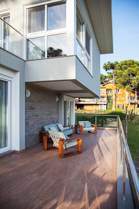 Rumah tinggal  by Maciel e Maira Arquitetos