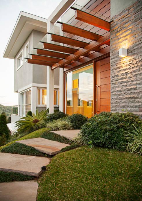 Rumah teras by Maciel e Maira Arquitetos