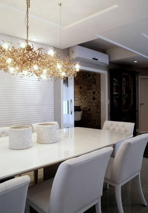 REFORMA RADICAL: Salas de jantar  por Maciel e Maira Arquitetos