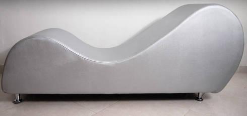 mueble tantra 3: Dormitorios de estilo  por Proyectos Kukenán SAS