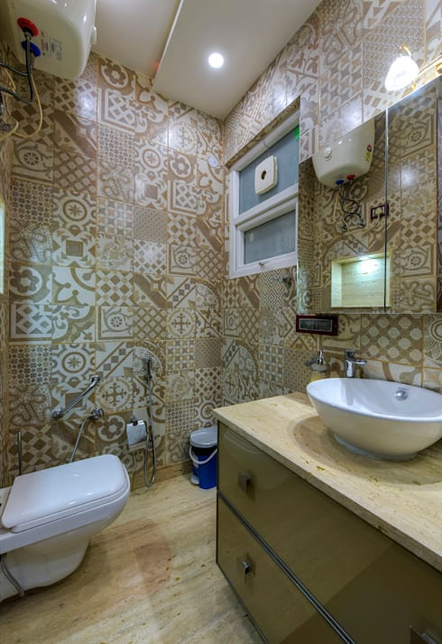 Residential Project:  Bathroom by shritee ashish & associates