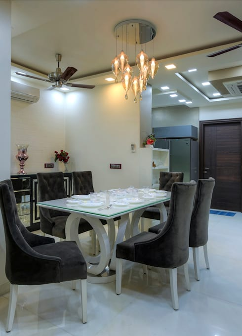 Residential Project: modern Dining room by shritee ashish & associates
