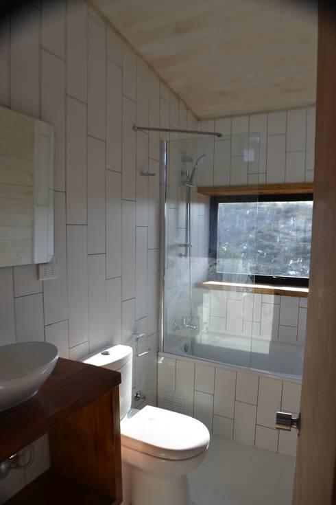 Baño: Baños de estilo  por PhilippeGameArquitectos
