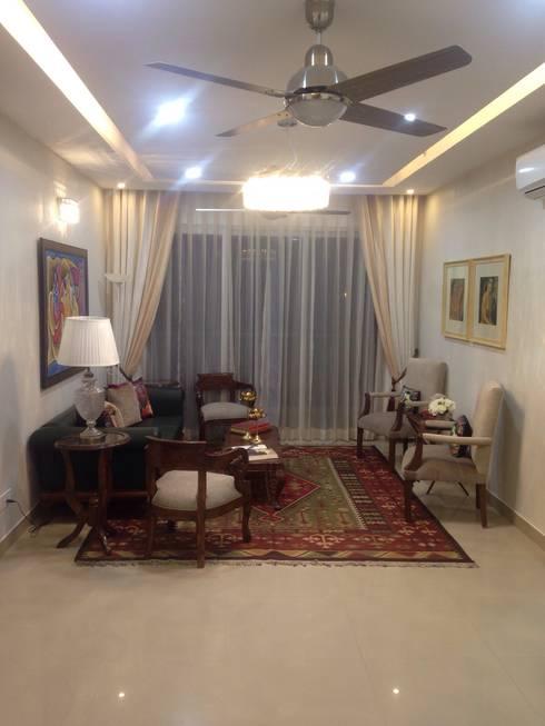 residential interiors: modern Living room by SDINC