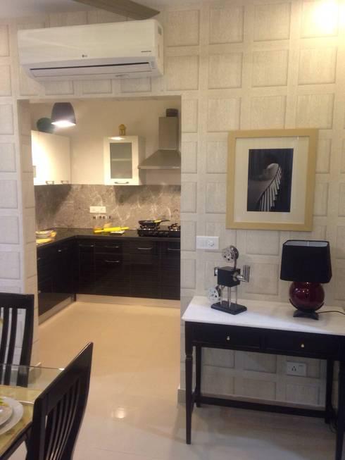 residential interiors: modern Kitchen by SDINC