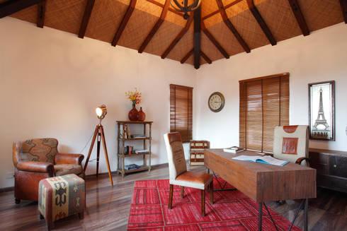Hakuna Matata: rustic Study/office by Mahesh Punjabi Associates