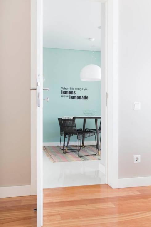 Apartamento Edifício do Parque - T3 MATOSINHOS: Cozinha  por SHI Studio, Sheila Moura Azevedo Interior Design