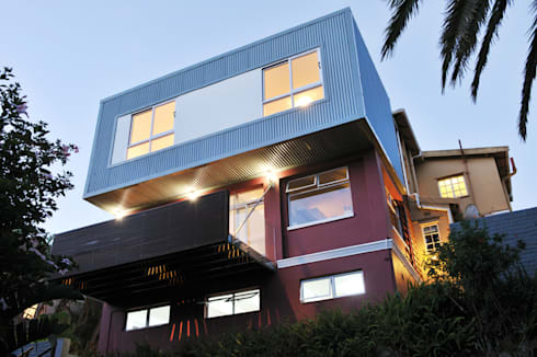 House Dambuza: modern Houses by The Matrix Urban Designers and Architects