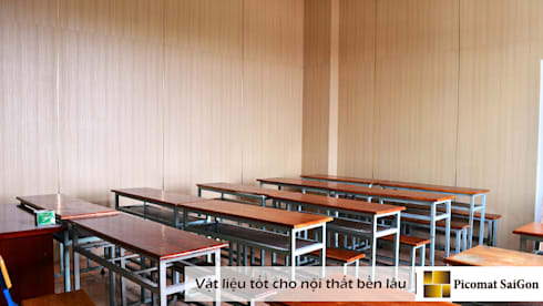 Không gian bên trong lớp học được ngăn bằng vách ngăn nhựa:   by Picomat Sài Gòn