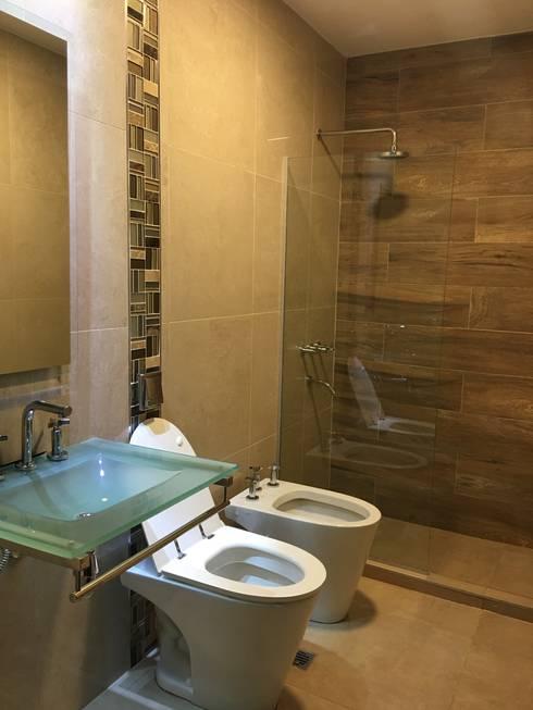 VIVIENDA BA: Baños de estilo  por BVS+GN ARQUITECTURA