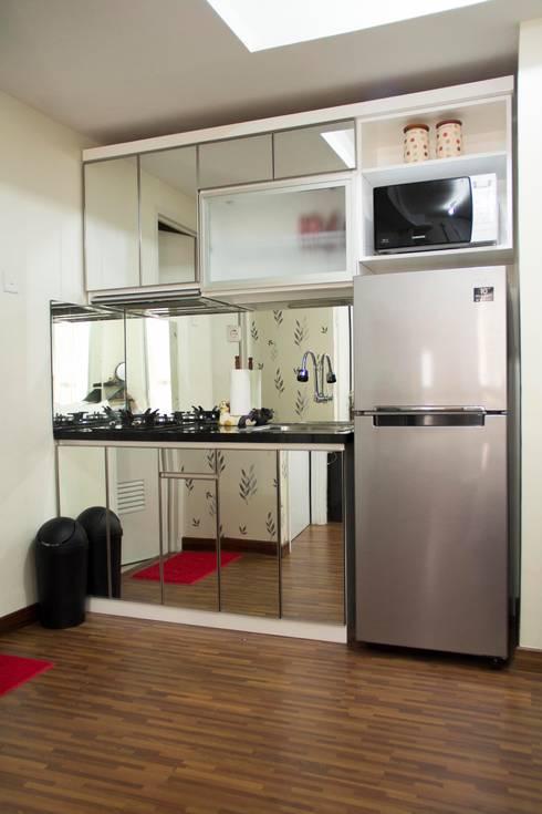 APARTEMEN MINIMALIS:  Dapur by FIANO INTERIOR